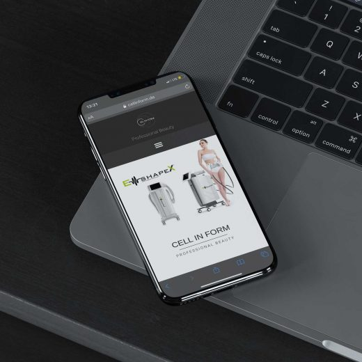 Cellinform-HandyMockup